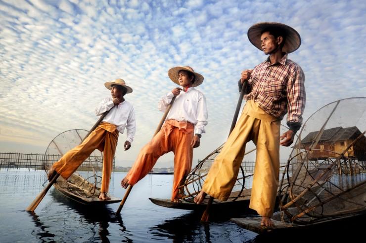 02-David-Lazar-Burmese-Fishermen-740x493