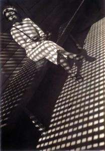 Lány Leicával, 1934
