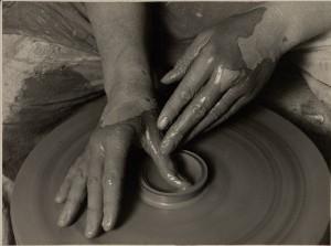 16_Dolgozó kezek, 1925