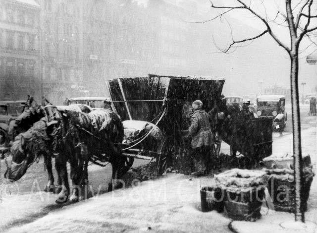 3. Prága, 1937