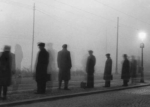 Egy szebb holnapra várva, Prága, 1949