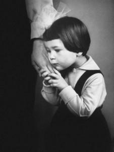 6. kép: Az anya keze (1966)
