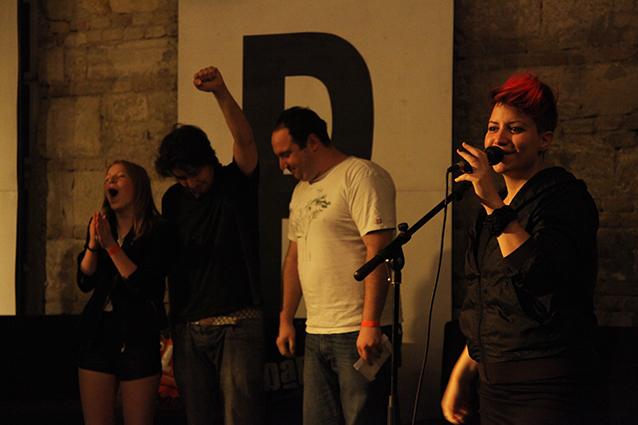 Jöttünk, láttunk, slammeltünk – Az első slam poetry est az Ankert udvarán – Slam Poetry II.