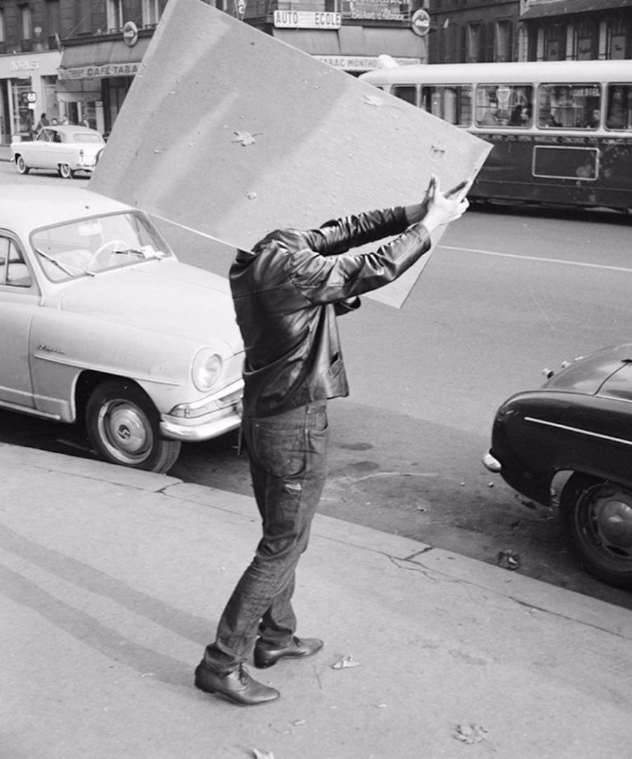 fun-black-and-white-street-photography-rene-maltete-6
